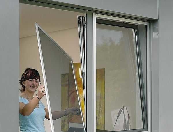 Антимоскитные сетки на пластиковые окна